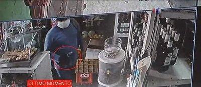 Violento asalto a minimercado en Fernando de la Mora