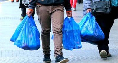 Comercios de Chile dicen adiós a las bolsas plásticas