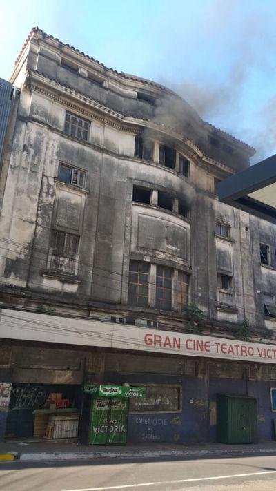 Denunciarán ante la Fiscalía a propietarios del ex cine-teatro Victoria