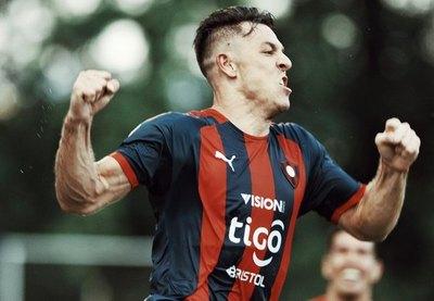 Churín festeja 50 goles y quiere romper récord en Cerro