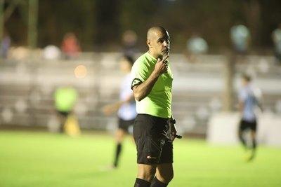 Comisión de Árbitros insta a 'resguardar integridad física de los futbolistas'