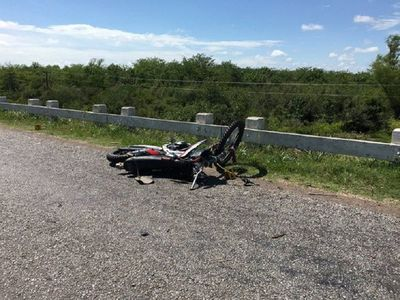 Nena de 5 años cayó de la moto y murió