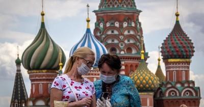 Rusia promete vacuna del COVID-19 desde finales del 2020