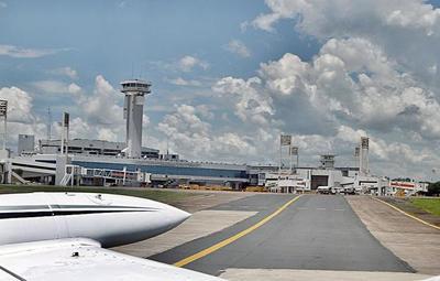 """Analizan protocolo de """"vuelos burbuja"""" para reapertura de aeropuertos"""
