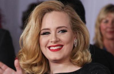 Adele sorprende a sus seguidores con una foto en la que luce irreconocible