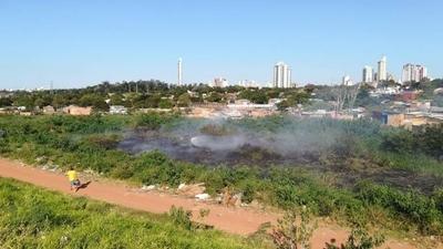 HOY / Nuevo incendio provocado en la Costanera de Asunción