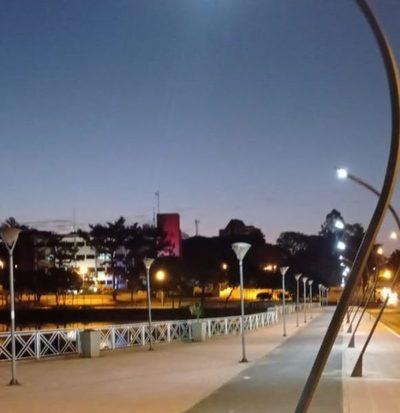 Concluye mantenimiento lumínico alrededor del Lago de la República