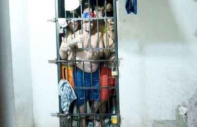 Ministra expondrá al Presidente pros y contras de ley de liberación de presos
