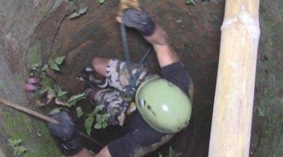 Una nenita se cayó a ¡un pozo de 15 metros!