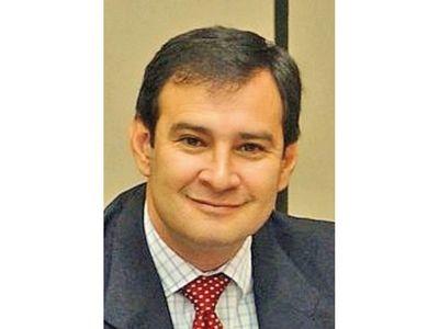Senador trata de resentido y sin calor popular a ex legislador