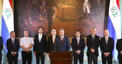 Presidente ordena a ministros a aplicar austeridad