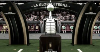 Donan réplica de la Copa Libertadores