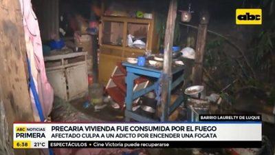 Fogata acaba con parte de una casa quemada en Luque