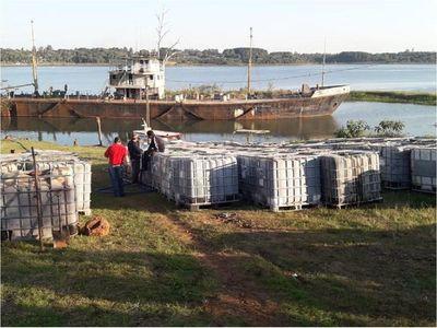 120.000 litros de aceite vegetal extraídos del buque semihundido