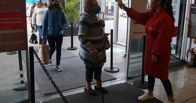 Teatros y cines reabren en Uruguay bajo estrictos protocolos y con dificultades