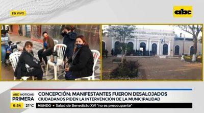 Desalojan a manifestantes en Concepción