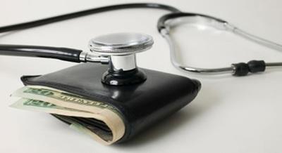 COVID-19: Médicos luchan contra la pandemia y la corrupción instalada en el sistema