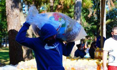Entregan cestas de alimentos a trabajadores de la vía pública y organizadores de eventos – Diario TNPRESS