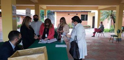Capacitan a profesionales de la Salud para tratar a pacientes con COVID-19