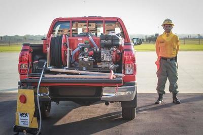 Francia dona vehículos equipados para el combate de incendios forestales