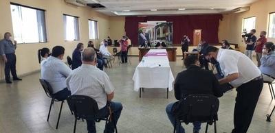 HOY / Declaran persona no grata a Friedmann en Guairá e inician auditoría de su gestión