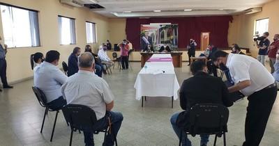 Declaran persona no grata a Friedmann y aprueban auditar su gestión como gobernador de Guairá