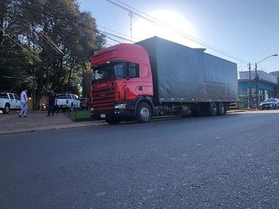 """Aduaneros y portuarios DEJARON """"pasar"""" camión con contrabando """"RETENIDO"""" por Investigaciones"""