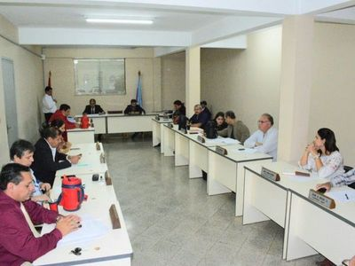 Concejales declaran persona no grata a Rodolfo Friedmann en Guairá