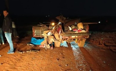 Dos muertos y cuatro heridos tras choque frontal entre dos vehículos