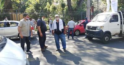 Funcionarios de la Ande cierran avenida España para exigir destitución de Villordo
