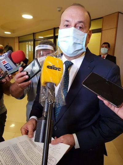 """""""Al Presidente le conviene un Senado unido"""": """"Cachito"""" rechaza pacto de la oposición"""