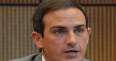 Senador pide esclarecimiento de graves denuncias contra Rodolfo Friedmann
