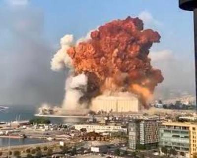 Impresionante explosión en el puerto de Beirut: estalló un depósito y hay al menos 50 muertos