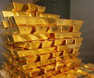 Oro cierra en los 2.000 dólares por onza y renueva el máximo histórico