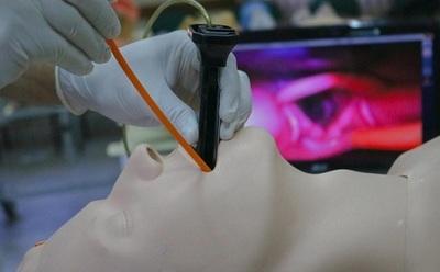 52 médicos egresan de formación en terapia intensiva