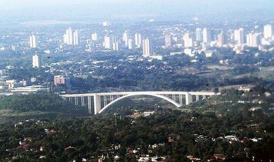 Autoridades analizarán apertura inteligente del Puente de la Amistad