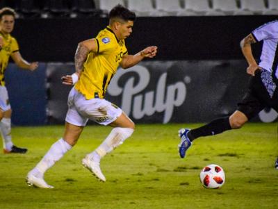Rodrigo Fernández palpita el juego contra River Plate