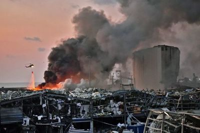 Unas 2.750 toneladas de nitrato de amonio causaron explosiones en puerto de Beirut