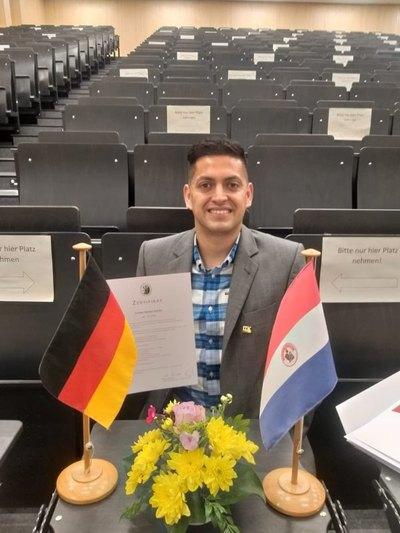 Becado en Alemania, un paraguayo quiere aportar su experiencia al fútbol local