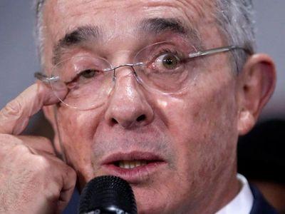 Uribe, la poderosa figura de la política colombiana, se enfrenta a la cárcel