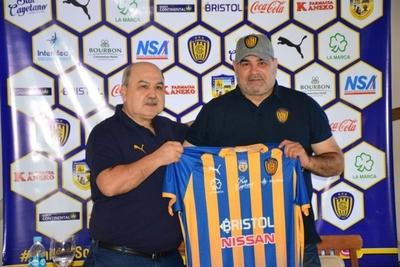 Chilavert colabora con la nueva imagen del Feliciano Cáceres