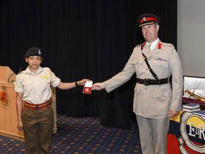 Paraguaya destacada como la mejor cadete en academia militar del Reino Unido