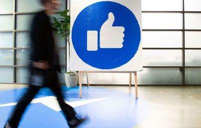"""Google y Facebook plantean un desafío  """"global""""  a la viabilidad de los medios"""