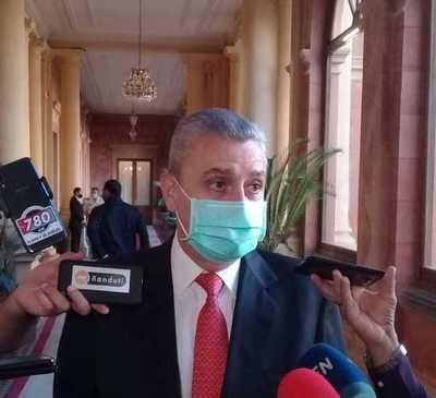 """Villamayor ratifica confianza a Friedmann y dice que denuncias son """"un refrito"""""""