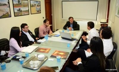 """Reunión de autoridades para """"Apertura Inteligente"""" del puente"""