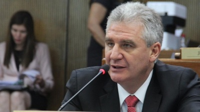 Bacchetta pide al presidente que escuche a la ciudadanía que exige cambios