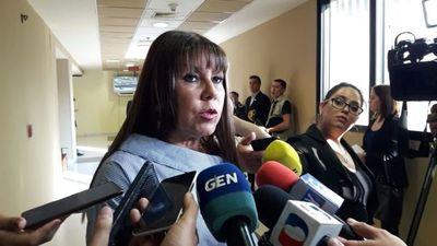 """Amarilla dice que en Diputados se """"ofrecen plata para votos"""" y la responden de ser """"gran disparatera"""""""