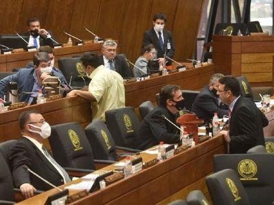 Discusión y cambios de votos dejan sin cuórum la sesión de Diputados