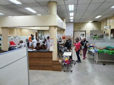 Clínicas: Servicio de Urgencias está saturado y sin camas