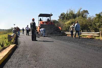 Obras de asfaltado se realiza sin inconvenientes en Ayolas